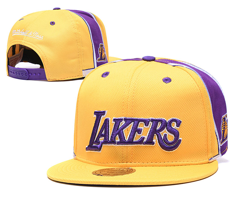 Lakers Team Logo Yellow Mitchell & Ness Adjustable Hat TX